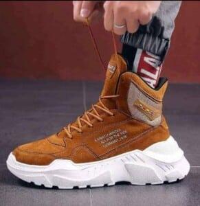 Boots lace up en...