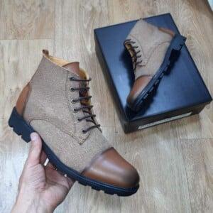 Boots classes et originaux en cuir Tabac